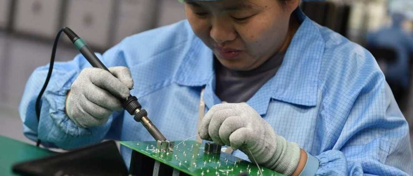 Electronics Supply Chains Stay in China